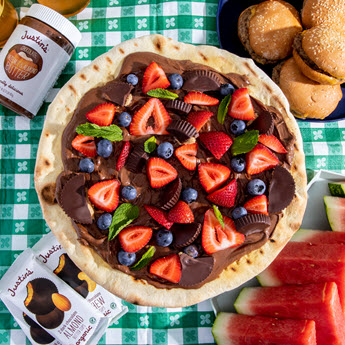 justins grilled chocolate hazelnut fruit pizza
